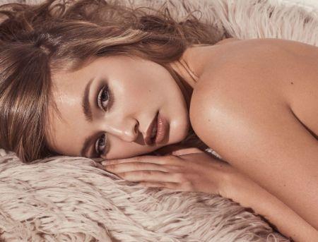 Kristina Romanova bio; age, family, net worth, relationship