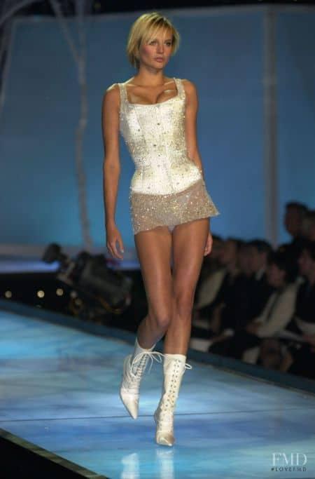 Bridget Hall height, body measurements, bra size, shoe size, eye color, hair