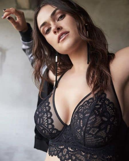 Myla Dalbesio bio; age, career, relationship, net worth.