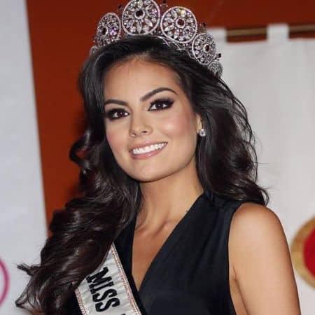 Ximena Navarrete career, contract, modeling