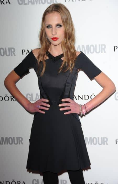 Allegra Versace career, photoshoot, contract