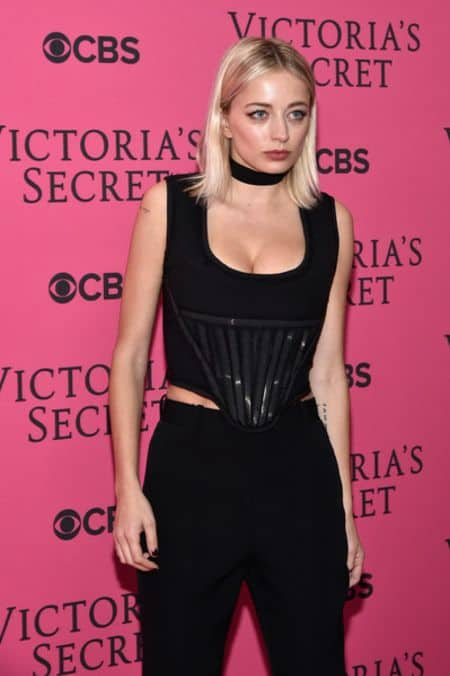 Caroline Vreeland career, modeling, contract