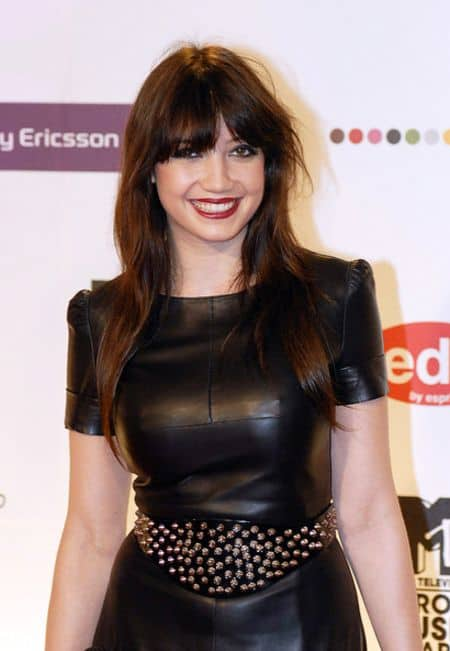 Daisy Lowe career, modeling, contract