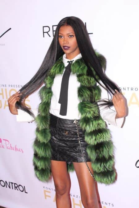 Jessica White career, modeling, photoshoot, contract