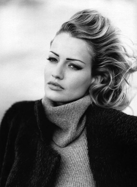 Karen Mulder career, modeling, contract