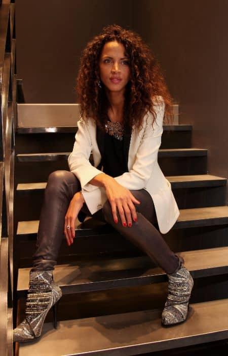 Noemie Lenoir career, modeling, photoshoot, contract