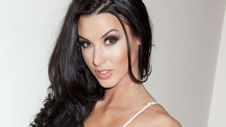 Alice Goodwin bio, net worth