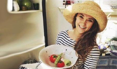 Samantha Burton age