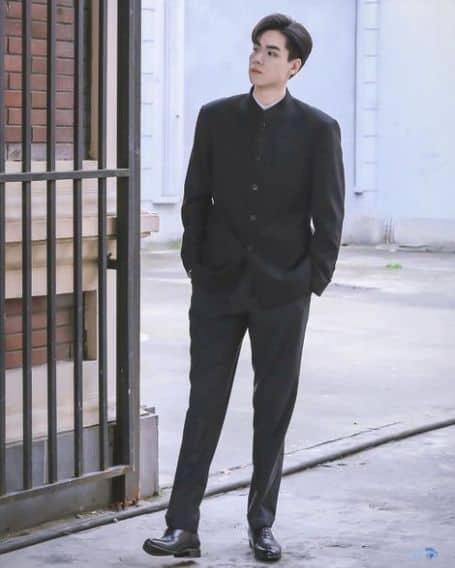 Hu Yitian height
