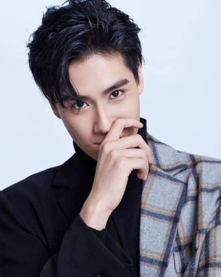 Hu Yitian age