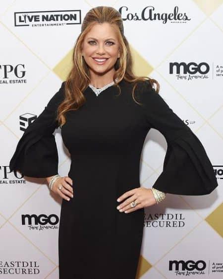 Kathy Ireland height