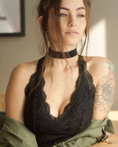 Melanie Pavola age