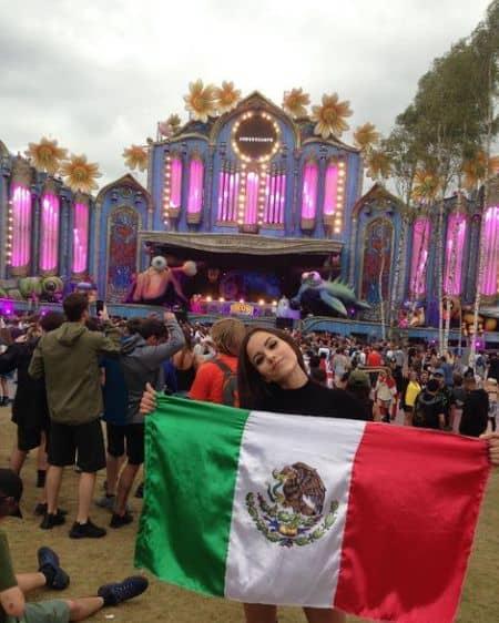 Melanie Pavola nationality
