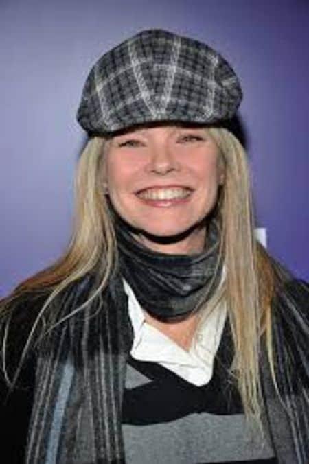 Julie McCullough net worth
