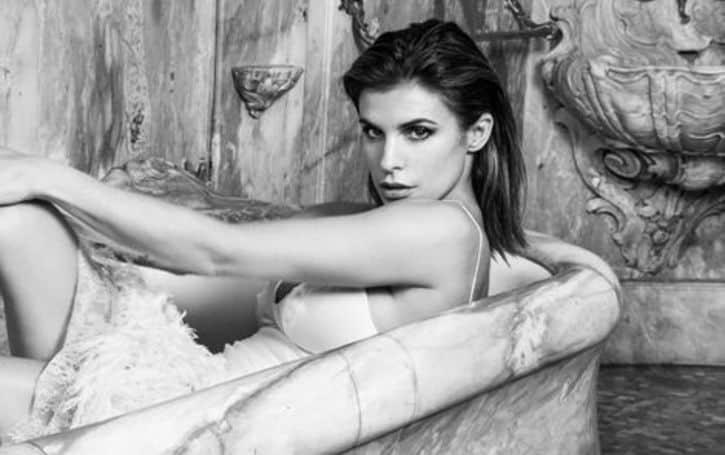 Elisabetta Canalis age, height, body