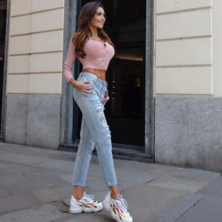 Manuela Ferara height
