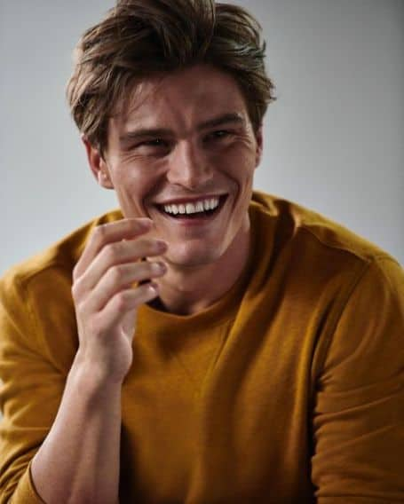 Oliver Cheshire age