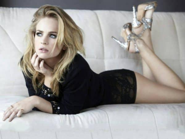 Stunning Glamorous Beauty Britt Robertson