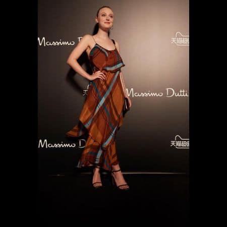 Dakota Fanning in superb Dress