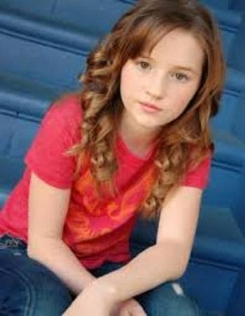Sweet childhood photo of Kaitlyn Dever