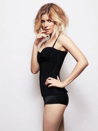 Stunning Hot actress Kate Mara