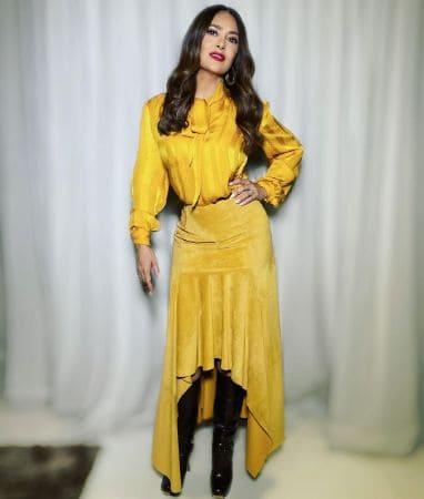 Beautiful Actress Salma Hayek in lovely Yellow dress